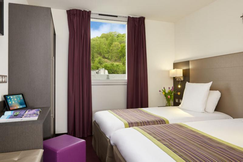 Hotel Lourdes Astrid Twin bed room near Grotto