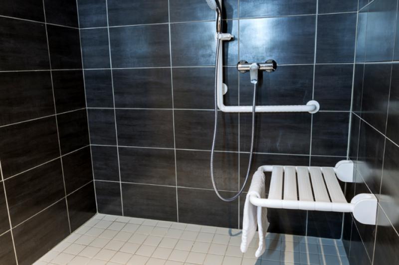 4 star hotel astrid lourdes disable room