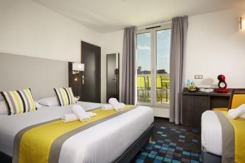 Hotel astrid Lourdes habitación triple