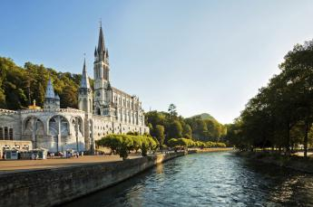 Hotel astrid Lourdes proche de la grotte