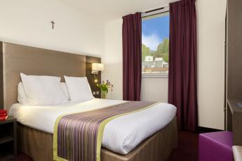 Hotel astrid Lourdes habitacion individual baño
