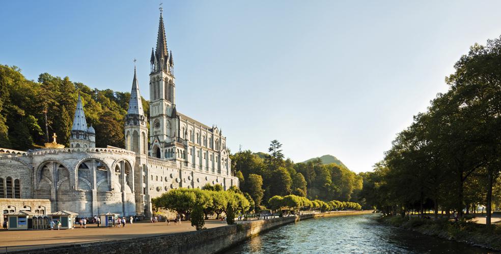 hotel astrid à 100 metres de la Grotte de Lourdes