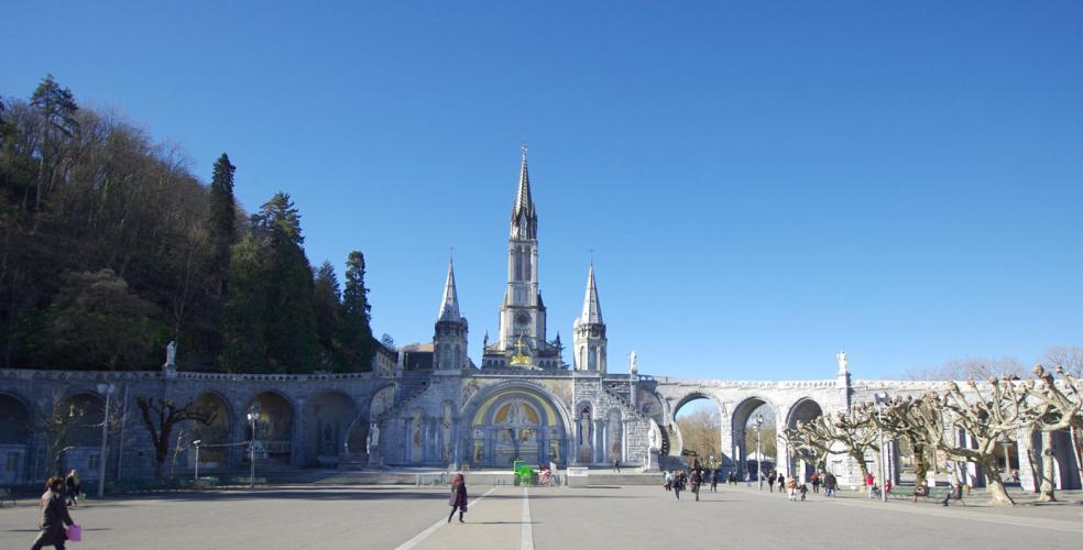 Hotel astrid Lourdes, vicino al Santuario